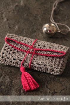 Cartera de mano de crochet