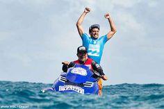 """#GLISSE #WSL World Surfing League : Jeremy Flores bat Gabriel Medina pour remporter le Billabong Pro Tahiti """"Le surf est le plus beau sport du monde et si vous n'y prenez pas plaisir, alors il y a un problème"""" >>> http://seasailsurf.com/seasailsurf/actu/9291-World-Surfing-League-Jeremy-Flores-bat-Gabriel #SURFING #WSL World Surfing League : Jeremy Flores Defeats Gabriel Medina to Win Billabong Pro Tahiti """"That 9.87 in the Final was the wave that got things started for me""""…"""