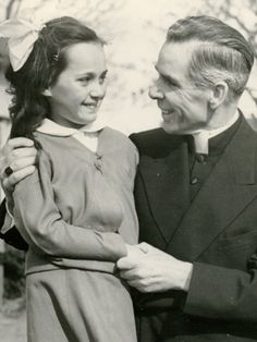 Website for the Venerable Archbishop Fulton Sheen with info on the cause for his canonization, prayers and meditations.