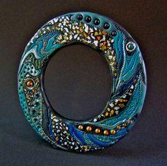 Donna Greenberg on The Polymer Arts blog. Multi color Saturn Ring bangel. www.thepolymerarts.com