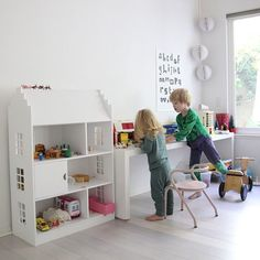 Kids room inspiration // That doll house, sigh!