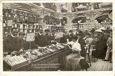 Postcard - The gloves department inside the Galeries Lafayette, Paris Paris 1920s, Paris Vintage, Old Paris, Old Pictures, Old Photos, Vintage Photos, Antique Photos, Gallerie Lafayette, Galerie Lafayette Paris