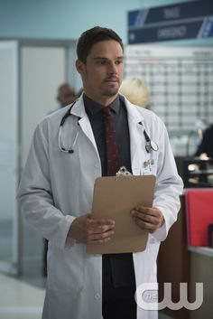 "eauty and the Beast -- ""The Beast of Wall Street"" -- Image Number: BB301A_0142 -- Pictured: Jay Ryan as Vincent -- Photo: Ben Mark Holzberg/The CW -- © 2015 The CW Network, LLC. All rights reserved."