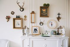 I wouldn't think of combing these vignettes which goes to show me, think outside the box.  Sage Living via sfgirlbybay