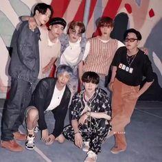 Yes Who are the Kings 😌 #bts #kings #btsarmy #forever V E Jhope, Bts Taehyung, Bts Bangtan Boy, Bts Jimin, Bts Memes Hilarious, Bts Funny Videos, Foto Bts, J Hope Dance, Bts Bulletproof