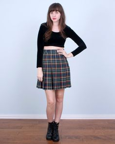 90's Plaid Skirt / School Girl Grunge Green & Red Pleated