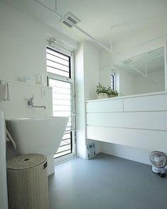 YpsukeさんはInstagramを利用しています:「~脱衣室兼ランドリ... Washroom, Laundry Room, Bathtub, House Design, Interior Design, Architecture, Home Decor, Instagram, Design Interiors