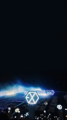 The only crowd that matters Exordium Exo, Exo Do, Kpop Exo, Exo Imagines, Exo Official, Exo Lockscreen, Exo Concert, K Wallpaper, Xiuchen