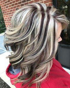 No chunky color Brown Hair With Blonde Highlights, Hair Color Highlights, Chunky Highlights, Caramel Highlights, Medium Hair Styles, Curly Hair Styles, Hair Color And Cut, Pretty Hairstyles, Wedding Hairstyles