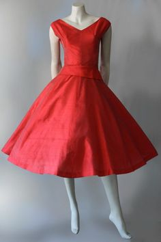 Silk dress by pam rogers with tags - vintage clothing Vintage Clothing Online, Evening Dresses, Formal Dresses, Spring Shirts, Vintage Tags, 1940s Fashion, Fitted Bodice, Short Girls, Outfits For Teens