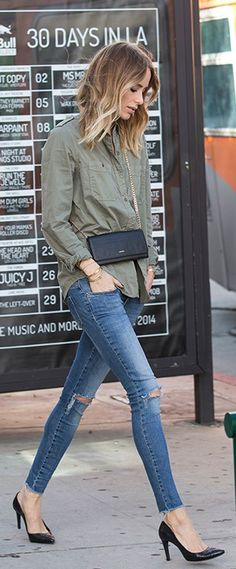 Street style | Military blouse with distressed denim and heels