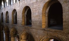 Dunfermline Abbey , matroneo, XII sec.