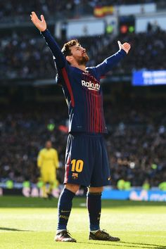 Lionel Messi Photos - Lionel Messi of Barcelona celebrates after scoring his sides second goal during the La Liga match between Real Madrid and Barcelona at Estadio Santiago Bernabeu on December 2017 in Madrid, Spain. - Real Madrid v Barcelona - La Liga Fc Barcelona, Barcelona Football, Football Messi, Messi Soccer, Messi Pictures, Messi Photos, Messi Neymar, Messi And Ronaldo, Messi 10
