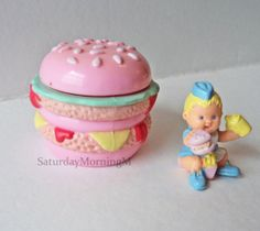 """Mimi and the Goo Goos """"Scoffy & Her Burger"""" Bluebird Toys Burger Miniature 1990s Complete"""