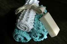 'Nubbie Scrubbies' cotton washcloths.  Free pattern, Ravelry.  (A larger, oblong version would also make a nice bath mat). #crochet