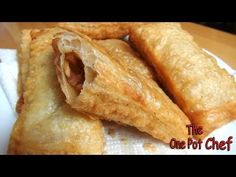 Fried Apple Pies, Fried Pies, Fast Dessert Recipes, Sweet Recipes, Desserts, Desert Recipes, Mcdonalds Apple Pie, One Pot Chef, My Favorite Food