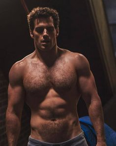Henry Cavill Shares Adorable Selfie Videos from His Recovery . Henry Cavill is rehabbing his knee while also training for a race in May. Batman Vs Superman, Superman Henry Cavill, Young Henry Cavill, Henry Cavill Eyes, Christian Grey, Christian Bale, Actrices Sexy, Hairy Chest, Shirtless Men