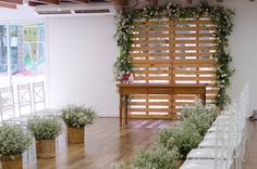 Roberta Araújo Eventos Decor Wedding, Wedding Decorations, Outdoor Structures, Plants, Events, Flora, Plant, Planting, Wedding Decor