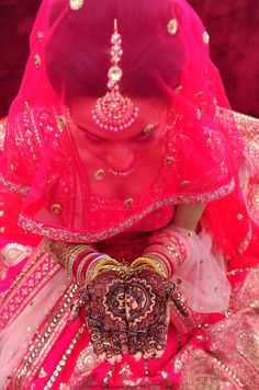 Vibrant pink lengha for a Punjabi summer wedding, with the perfect amount of details Sikh Wedding, Punjabi Wedding, Wedding Couples, Farm Wedding, Wedding Dresses, Boho Wedding, Wedding Reception, Bridal Poses, Bridal Photoshoot