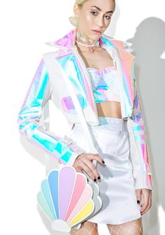 Sugar Thrillz Over The Rainbow Seashell Bag we luvv the way the light reflects off yr waves, babe~ This adorable seashell-shaped crossbody features an ultra smooth white vegan leather construction, pastel rainbow shell stripes, top zip closure, and a long shoulder strap.
