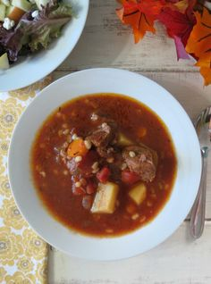 Beef and Barley Soup - Crockpot. I will make this with brown rice instead of barley so that it's gluten free. Crock Pot Soup, Crock Pot Slow Cooker, Crock Pot Cooking, Slow Cooker Recipes, Crockpot Recipes, Soup Recipes, Cooking Recipes, Healthy Recipes, Freezer Recipes
