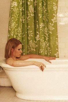Gwyneth Paltrow as Margot Tenenbaum Gwyneth Paltrow in The Royal Tenembaums (Wes Anderson), 2001
