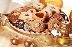 Cukroví bez lepku z bílků, ořechových jader, kávy a medu. Cereal, Cookies, Breakfast, Food, Crack Crackers, Morning Coffee, Biscuits, Essen, Meals