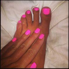 Hot Pink nails and toenails. A win-win every time. Neon Toe Nails, Neon Pink Nail Polish, Simple Toe Nails, Bright Pink Nails, Cute Pink Nails, Toe Nail Color, Nail Colors, Pink Shellac Nails, Acrylic Nails