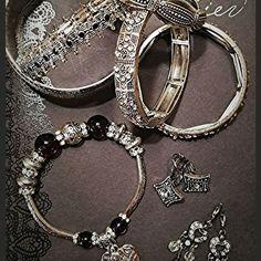 """Van hogy egy kis bizsu is fel tudja dobni a napod!   . . . . Repost innen :  @aprocskaboltocska """"Aprócskaboltocska""""  #dragako #ekszer #meglepetes #nekemiskell #meglepi #parfüm #arcápolás #natúrkozmetikum #natúrkozmetika #instahun #mik #instahungary Dragon, Van, Charmed, Bracelets, Jewelry, Instagram, Products, Bangle Bracelets, Jewellery Making"""