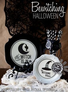 Halloween just isn't the same without Mod Podge! Halloween plates with Rhonna Designs and Mod Podge. I love the plates but I especially love those straws! Halloween Plates, Spooky Halloween Decorations, Halloween Boo, Halloween Projects, Halloween Season, Holidays Halloween, Vintage Halloween, Happy Halloween, Halloween Kitchen