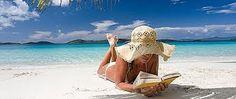 Quali i libri più letti dell'estate? Abbiamo sbirciato nelle borse, sotto gli ombrelloni, nei prati e in riva al lago per fare un statistica dei tre libri più gettonati nel periodo delle ferie per ragazzi, donne e uomini.  http://www.ultimariga.it/portale/?p=5566