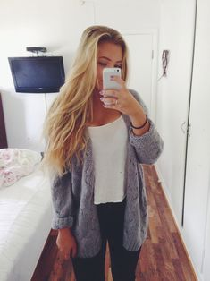 Bild via We Heart It https://weheartit.com/entry/142976807/via/23589494 #fashion #fashionable #girls #girly #outfit #streetstyle #style #stylish
