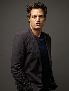 Mark Ruffalo in Talks to Join FOXCATCHER. Mark Ruffalo will star alongside Steve Carell and Channing Tatum in Bennett Miller's drama Foxcatcher. Bruce Banner, Mark Ruffalo Hulk, Pretty People, Beautiful People, Wisconsin, Avengers Actors, Marvel Characters, Hollywood, Attractive Men