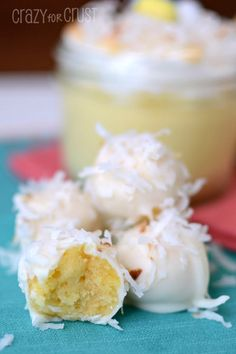 Coconut Cream Pies Cake Balls - Guess what? Dede Wilson is absolutely a genius! You can totally make cake balls with pudding instead of frosting