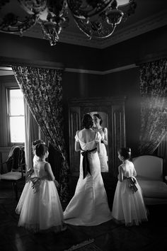 Bride and Flower girls getting ready at wedding #bride #flowergirls #wedding