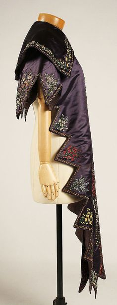 pereline 1830 | Embroidered deep purple silk pelerine, British, ca. 1830.