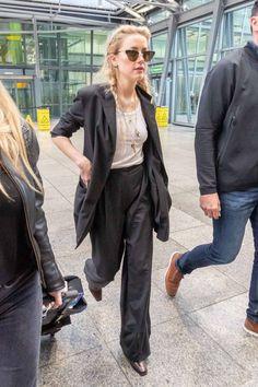 Amber Heard risks wardrobe malfunction as she goes braless White Vest Top, White Tank, Amber Heard Style, Amber Head, Star Clothing, Street Style 2018, Shape Magazine, Famous Models, Celebrity Style