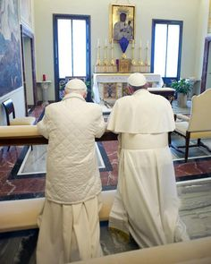 """""""We are brothers"""": Pope Francis and Pope Emeritus Benedict meet at Castel Gandolfo 