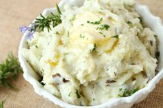 Roasted Garlic and Rosemary Mashed Potatoes - made these for Thanksgiving and they are delicious!
