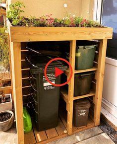 Wheelie Bin Recycling Store with Green Roof Planter Diy Garden Bed, Diy Garden Decor, Raised Garden Beds, Shed Design, Garden Design, Woodworking Plans, Woodworking Projects, Cinder Block Garden, Vertical Garden Wall