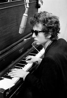 "theswinginsixties: "" Bob Dylan at the piano. """
