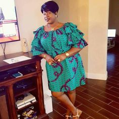 Simple yet classy african print ankara gown styles for plus size ladies, big and beautiful ladies african ankara print short gown styles, latest ankara gown styles for big and beautiful plus size ladies Modern African Print Dresses, Short African Dresses, African Print Clothing, African Fashion Ankara, Latest African Fashion Dresses, African Print Fashion, Ankara Stil, Moda Plus Size, African Attire