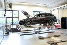 Deze zojuist verkochte, 560 pk-sterke #Audi #RS6 Avant krijgt momenteel een volledige afleverinspectie.
