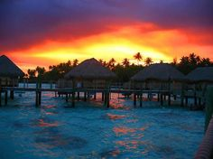 South Pacific sunset in all its glory  Bora Bora