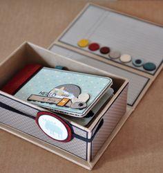 Mini album in a box - cute idea Mini Albums Scrapbook, Papel Scrapbook, Mini Album Tutorial, 3d Paper Crafts, Album Book, Handmade Books, Book Binding, Book Making, Mini Books