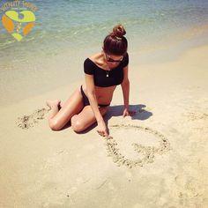 Ideas para posar en la playa !!!http://eslamoda.com/15-ideas-para-hacer-tu-propia-sesion-de-fotos-en-la-playa