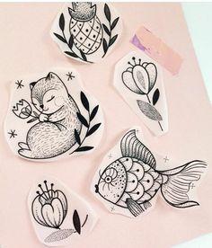 Look a squirrel. Tattoo Sketches, Tattoo Drawings, Art Sketches, Diy Y Manualidades, Tattoo Project, Future Tattoos, Animal Drawings, Kawaii, Tattoo Inspiration