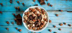 Sem tempo para lanchar ou tomar o pequeno almoço? Anote estas receitas práticas e nutritivas. Aprenda como fazer papas de aveia no microondas e delicie-se.
