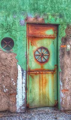 Green Door in Salvador, Bahia, Brazil Grand Entrance, Entrance Doors, Doorway, Knobs And Knockers, Door Knobs, Door Handles, Cool Doors, Unique Doors, Old Windows