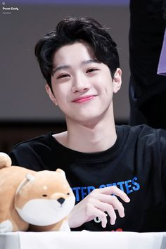 He's literally too cute to handle ☺☺☺ Cha Eun Woo, My Best Friend, Best Friends, Star Company, Guan Lin, Lai Guanlin, Drama, Kim Jaehwan, Jinyoung